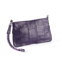 GIA aubergine   Small clutch sewn in a trendy patchwork pattern of the softest lamb skin. So incredibly stylish - prepare to be the envy of the party! Price: 349 DKK/ 49 €