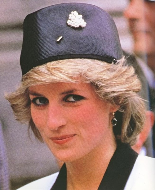 lovelydianaprincessofwales: Princess of Wales with a pin on her hat