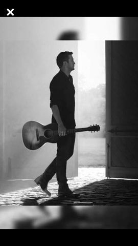 Luke Bryan | One of my favorite pictures of Luke.