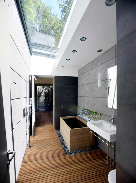 Bathroom : Can we do this glass roof in sunlight city like Thailand?