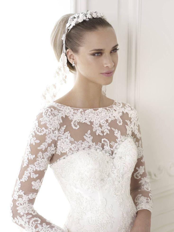 Látogasson el menyasszonyi ruhaszalonunkba, ahol Magyarország legnagyobb 2015-ös Pronovias esküvői ruha kölcsönzés és vásárolhatnak a kedves menyasszonyok!