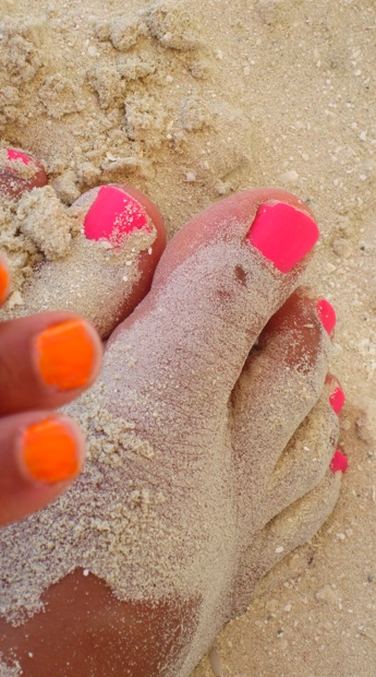 -W  Pink & Tangerine fingers & toes