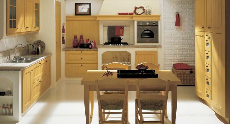 Gele traditionele keuken: met een gele pastelkleur creëer je een heerlijk nostaligsche keuken!