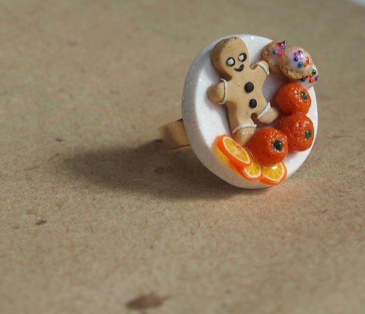 Ring Gebäck mit Orangen und Lebkuchenmann, Miniaturessen am Finger von PfullingerEngele auf Etsy