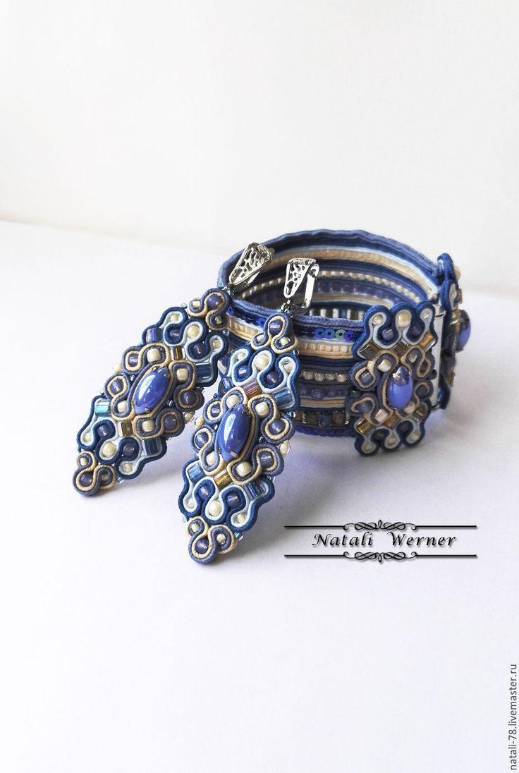 """Купить Сутажный комплект """"Витражи"""" (браслет, серьги, синий) - синий, бежевый, джинс, джинсовый стиль"""