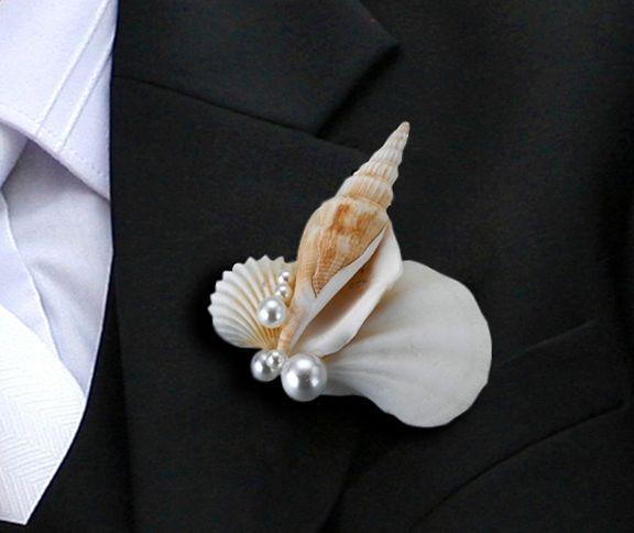 Бутоньерка из ракушек для жениха