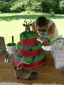 Redneck wedding cake... I have a feeling Joe would want this now for our wedding cake....