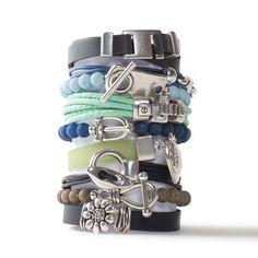 Viele schöne selbstgemachte Armbänder aus Lederband, Baumwollband, Polarisperlen, PVC-Band und schönen Verschlüssen aus Metall. Alle Materialien sind bei Glücksfieber erhältlich.