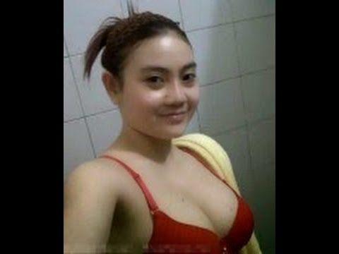 Gadis cantik seksi bohay pingsan mendadak, lucu ngakak guling - guling