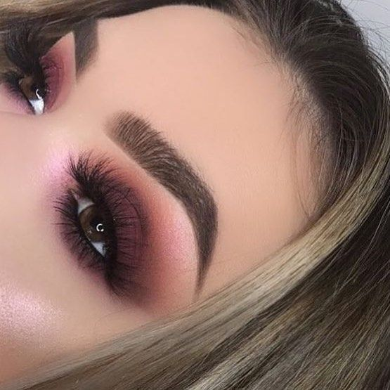 "14 likerklikk, 1 kommentarer – Anastasia Beverly Hills (@abh_london) på Instagram: ""Beautiful @beautyby_julie_ Brows: #dipbrow in soft brown @anastasiabeverlyhills @norvina Eyes :…"""