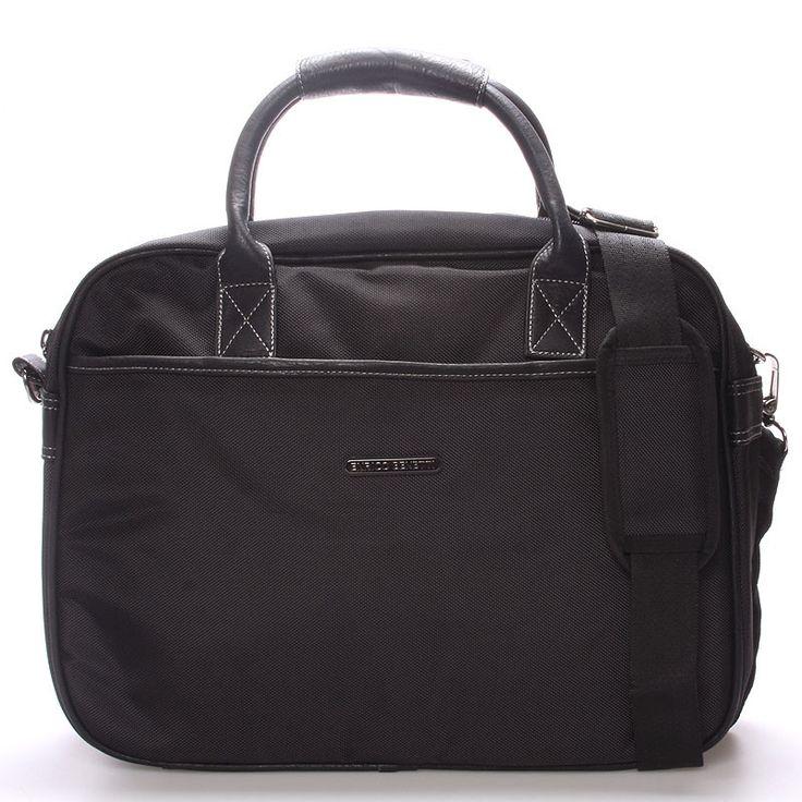 #novinka #2016/2017 Elegantní trendy černá taška - brašna Enrico Benetti pro pány i dámy. Ochraňte svůj počítač před vnějšími vlivy kvalitně a s elegancí. Do tašky se vleze notebook s maximálními rozměry 36 x 26 cm. Zepředu, zezadu a uvnitř jsou kapsy na zip. Součástí je nastavitelný odepínací popruh přes rameno.