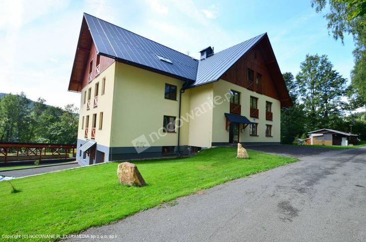 Apartamenty Řezáč s.r.o. w Karkonoszach to wymarzone miejsce na rodzinny  wypoczynek w Czechach! Świetnie wyposażone apartamenty, parking i restauracja uprzyjemnią pobyt. Więcej na: http://www.nocowanie.pl/czechy/noclegi/rokytnice_nad_jizerou/apartamenty/140809/ #CzechRepublic #nocowaniepl