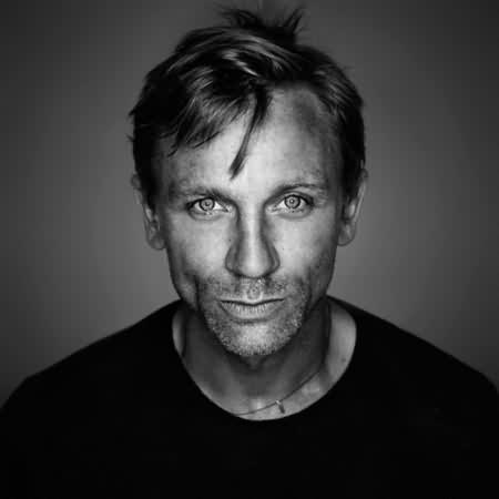 Daniel Craig..Sometimes handsome, sometimes weird looking
