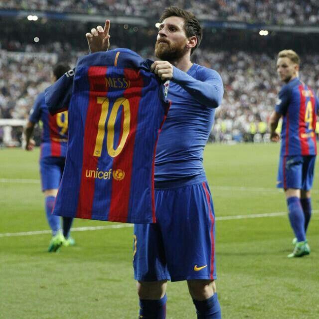 Gol cinc-cents d'en Leo Messi amb el Barça a l'Estadi Santiago Bernabéu! Etern!
