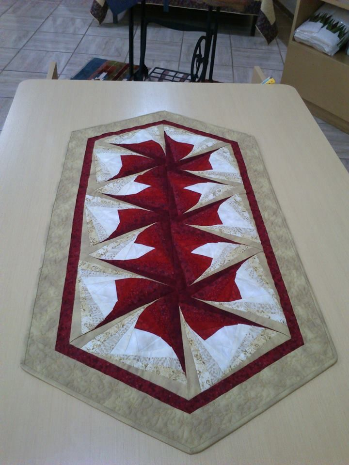 Pin By Yusufbazaz On Yusuf Bazaz Quilted Table Runners
