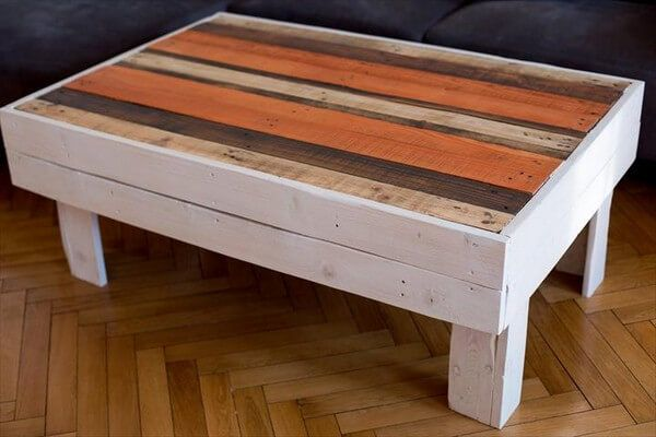 Here is another multi color coffee table which is again made with the help of retired wood pallets and it is small in size which makes it very easy to move anywhere you want and provides great utility at the same time so a very effective product for your house.