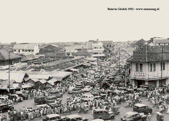 Glodok 1932  K WARTETWO.COM : Pancoran terletak di Kelurahan Glodok, Kecamatan Tamansari Kotamadya Jakarta Barat.   Pancoran  berasal dari...