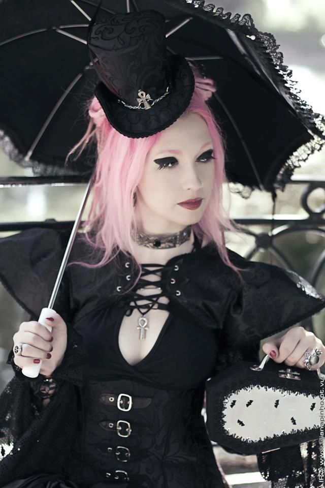 Neo Victorian Goth Girl With Parasol And Steampunk Flavor Pastel Hair Nice Mash Up Find This Pin More On Fashion Inspiration