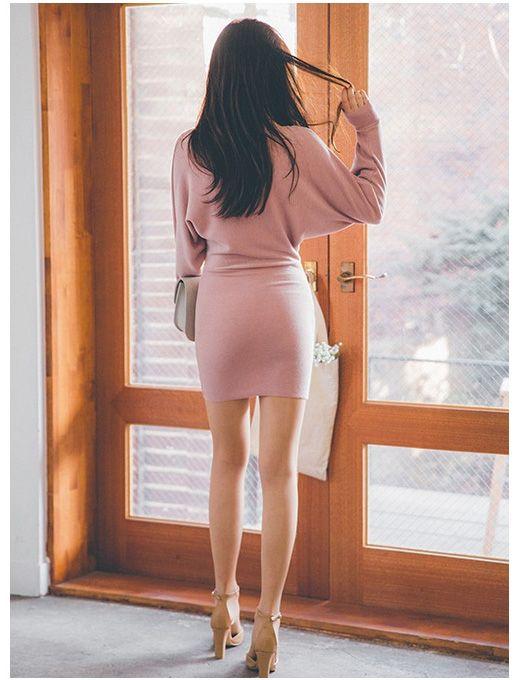 pink singer butt cheeks