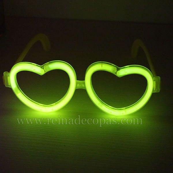Las gafas luminosas en forma de corazón son geniales para todo tipo de fiesta. http://www.reinadecopas.com/es/15-gafas-luminosas
