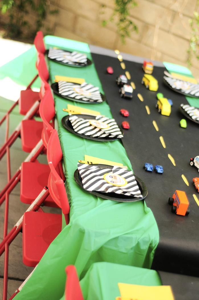 Love the table runner for car party - maybe with chalkboard paper for added fun and activity?