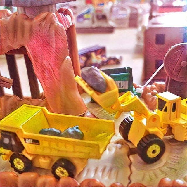 #Micromachines #hotwheels #planetmicro #90stoys #models #collectibles #vehicles #construction # mining #caterpiller #CAT #prisma #prismaart #frontloader #scraper #dumptruck #excavator #grader #bulldozer #988B #631E #D7    #Regram via @richardbercich