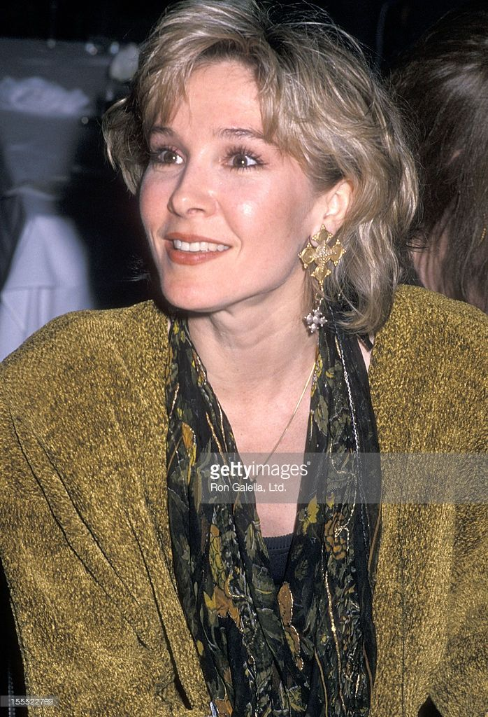 Actress Cynthia Rhodes attends Richard Marx Receives a Triple Platinum Award for His Latest Album Repeat Offender and Celebrates the U.S. Leg of World Tour on January 9, 1990 at Pazzia Restaurant in West Hollywood, California.