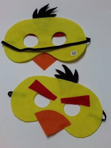 Já pensou numa festa infantil com o pessoal da Angry Birds? Que tal estas máscaras em feltro para animar? Este é o Yellow Bird, é uma ótima opção de lembrancinha de aniversário ou presentinho, temos o restante da turma. Fazemos sob encomenda. R$ 9,35