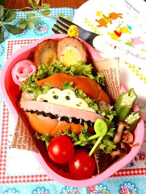 時間がなくてかなり雑… ・°°・(>_<)・°°・。 - 59件のもぐもぐ - バターロールパンのお弁当♪ by harinezumi531