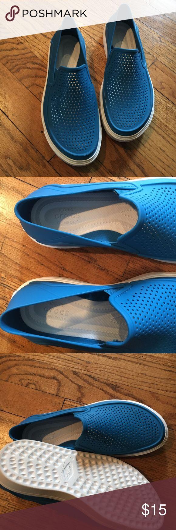 Crocs shoes brand new no tags woman's size5M Brand new never worn crocs plastic shoe CROCS Shoes