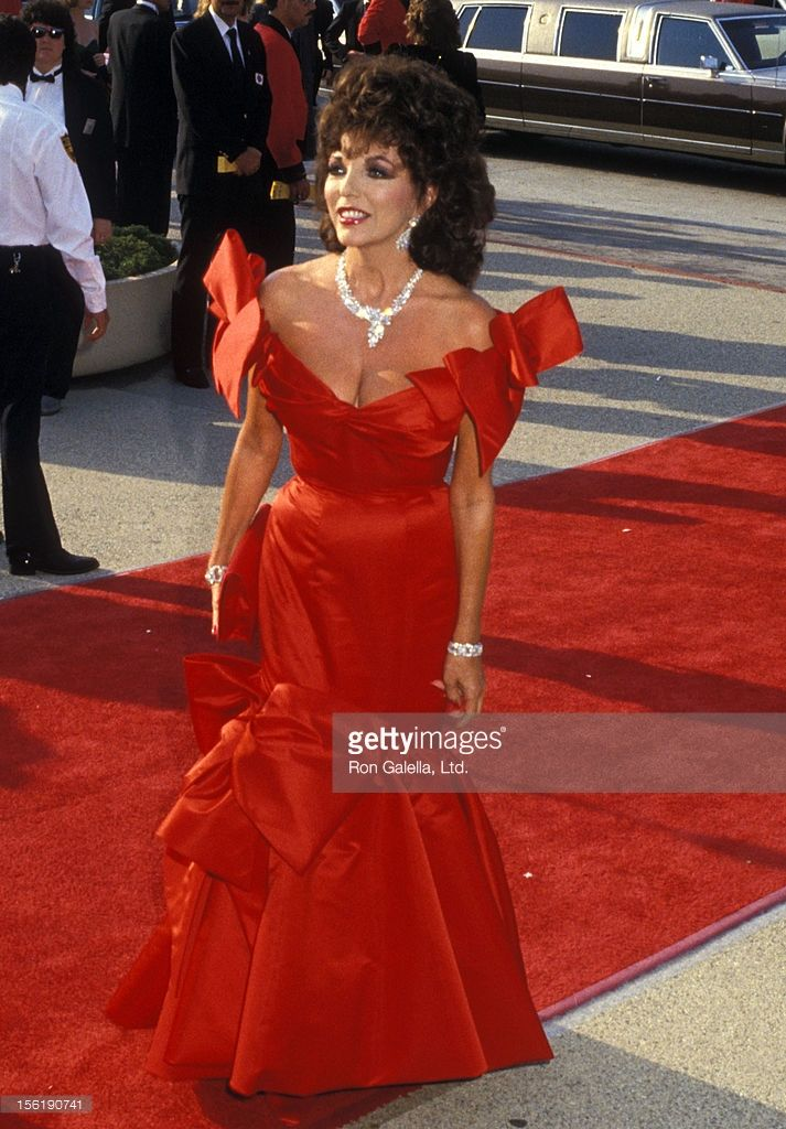 Actress Joan Collins attends the 39th Annual Primetime Emmy ...