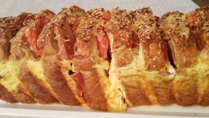 Bakina kuhinja . sendvič tost fenomenalan recept     Potrebno je:   Pakovanje tost hleba  200 gr. šunkarice  3 paradajza  200 gr pavlake ...
