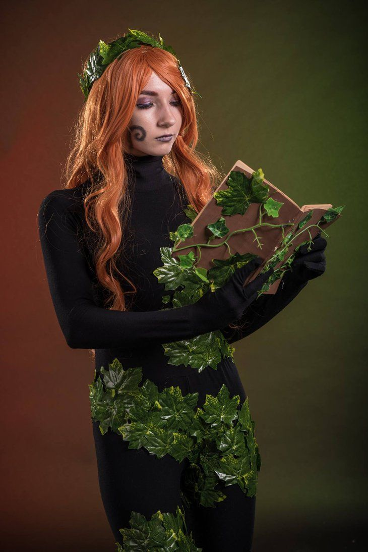 Infinite Crisis - Poison Ivy Cosplay by QuinzelCosplay.deviantart.com on @DeviantArt