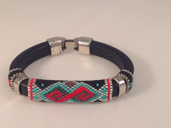Licorice+Leather+Peyote+Bracelet+par+Calisi+sur+Etsy,+$45.00