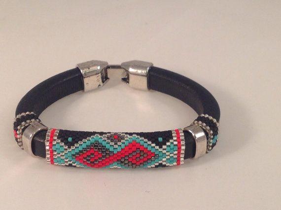 Licorice+Leather+Peyote+Bracelet+par+Calisi+sur+Etsy,+$45.00