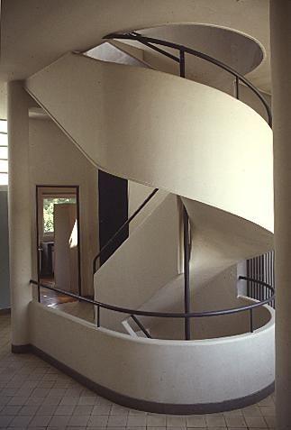 Le Corbusier. Villa Savoye. Poissy. 1928-29 #architecture #lecorbusier