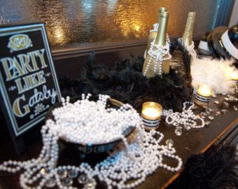 Party Like Gatsby Pearl Necklace Lot!!! THIRTY Fabulous Necklaces that will add that chic touch to your event