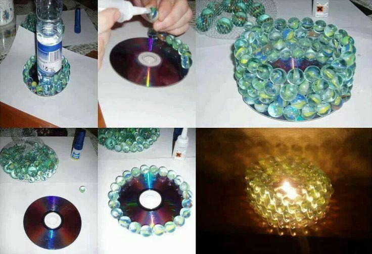 Luminária de vela com CD e bolas de gude