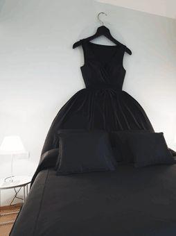 Maison #Moschino (Milan) : chambre Sleeping in a Ballgown (dormir dans une robe de bal)