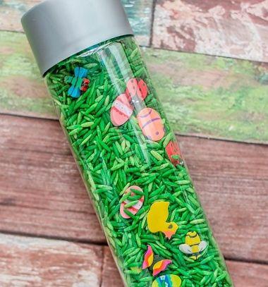 DIY Easter - spring look and find sensory bottle (I spy bottle) // Húsvéti rázó-keresőjáték gyerekeknek egyszerűen rizzsel // Mindy - craft tutorial collection // #crafts #DIY #craftTutorial #tutorial