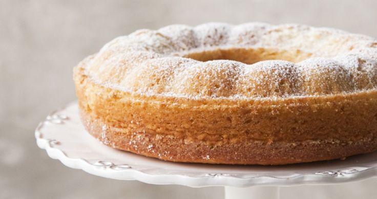 Glorian ruoka&viinin kahvikakku on ihanan sitruunainen. Ihan kuin kotona Italiassa.