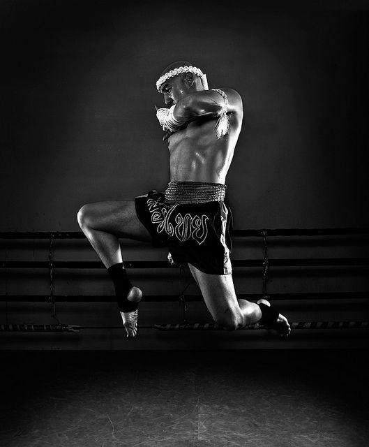 ♂ World Martial Art Muay Thai - Flying Knee Black & white