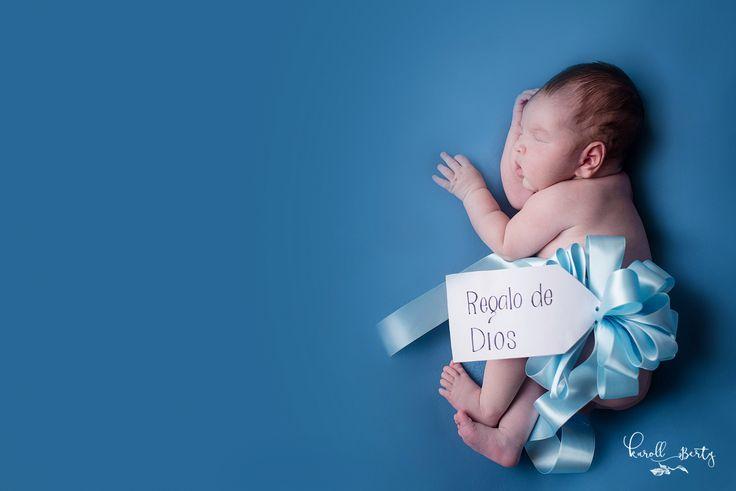 SESION DE RECIEN NACIDO-EMMIR  Realmente es un honor fotografiar cada bebé recién nacido, ya que entran al mundo como un regalo para traer alegría y amor al hogar. Les presento a Emmir y su tierna sesión de recién nacido realizada en Valledupar por Karoll Berty.