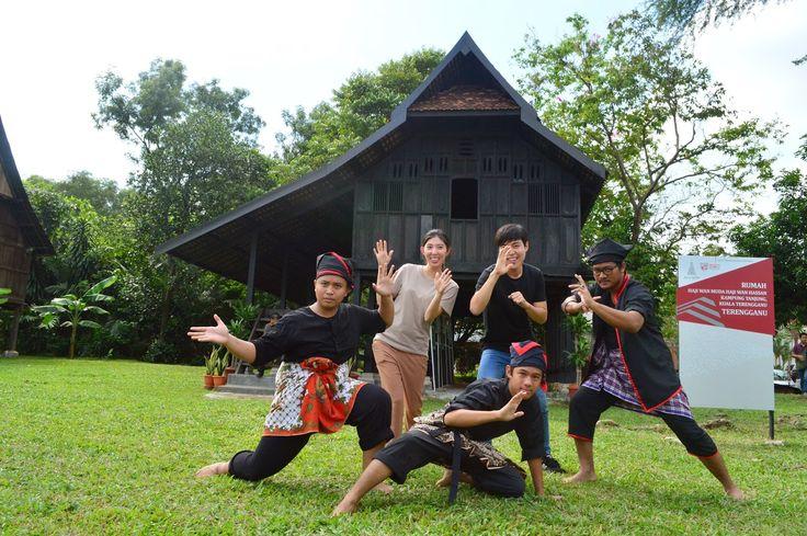 """PAMERAN SENI BINA WARISAN MELAYU DAN """"INTERNATIONAL MALAY ARTS AND CULTURE (IMAC) 2014 - Muzium Warisan Melayu"""