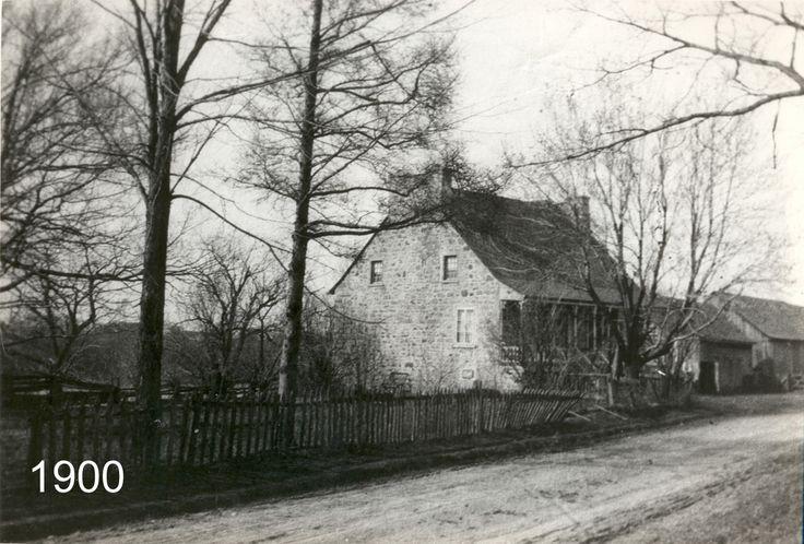 La maison Brignon-Lapierre, 4251, boul. Gouin Est, Montréal (vers 1900)