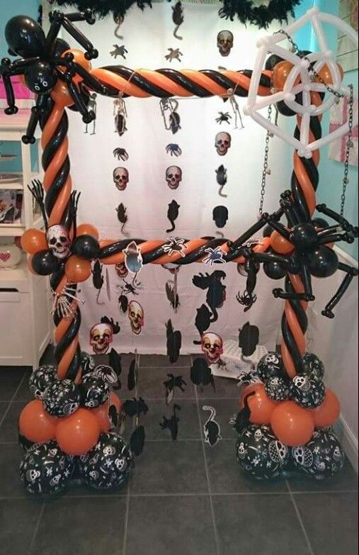Awesome Halloween picture frame with balloons!