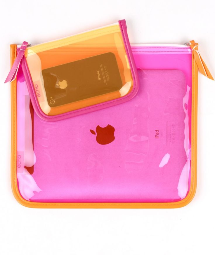 Clear waterproof set for your smartphone at the beach or pool.
