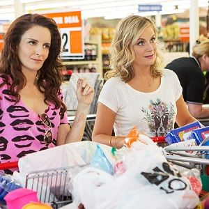 "Amy Poehler and Tina Fey reunite in the awesomely funny ""Sisters"" trailer!"