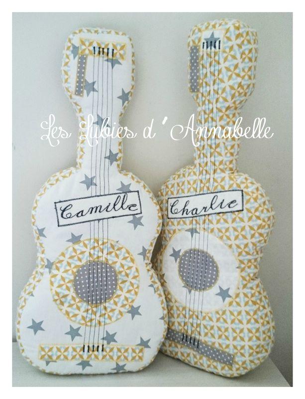 Guitare jumeaux garçon et fille