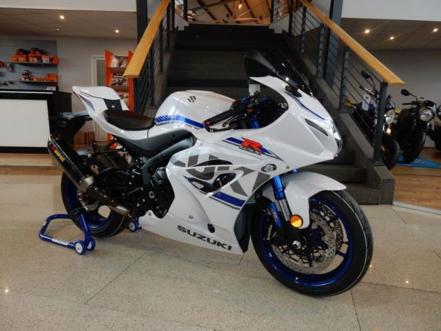 Suzuki Gsx R 1000r Sensei Sonderumbau Preis Inkl 1000 00 Euro Wechselpramie Und Sensei Umbau Im Suzuki Gsx R 10 Suzuki Gsx R Suzuki Gsx R 1000 Suzuki Gsx